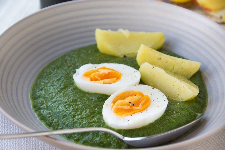 Eier mit Spinatcreme